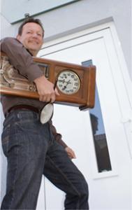 Lieferung und Abholung von Uhren